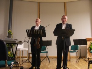 Owen Lynch and Dave Maguire perform during the Feile Bride musical evening at Solas Bhride. Highly Strung also performed on the night.